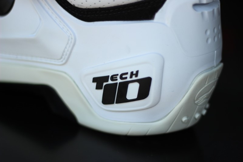 TECH 10