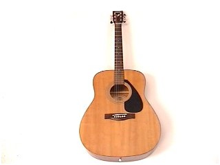 YAMAHA Acoustic Guitar F-310