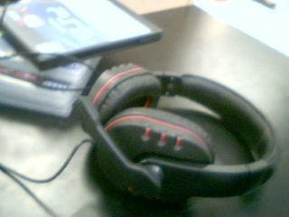 HYPERKIN Headphones MAX WAVE