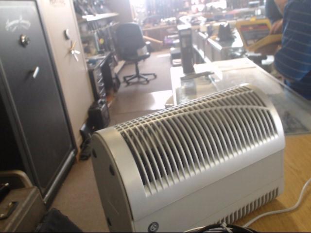 HOLMES Air Purifier & Humidifier HAP421GN