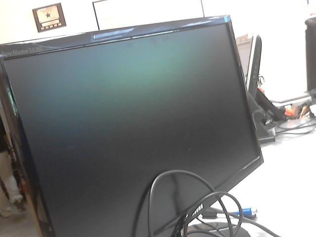 "SAMSUNG 22"" COMPUTER MONITOR S22A300B"