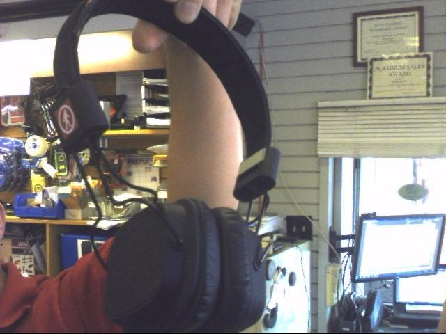 OUTDOOR TECH Headphones HEADPHONES