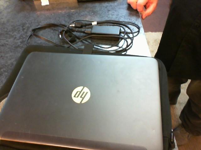 HEWLETT PACKARD Laptop/Netbook SLATEBOOK BEATS AUDIO