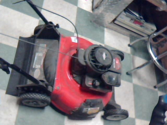 YARD MACHINES Lawn Mower 11A-A54E029