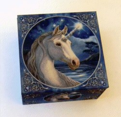 FANTASY GIFTS 2523 LISA PARKER UNICORN MIRROR BOX