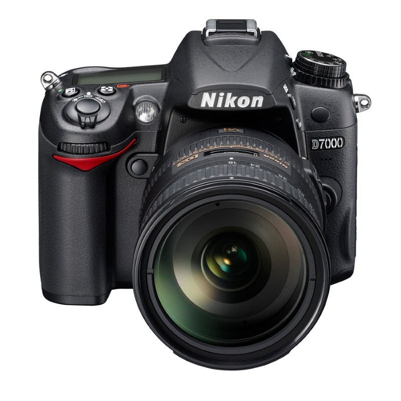 NIKON Digital Camera D7000 18-200VR II KIT