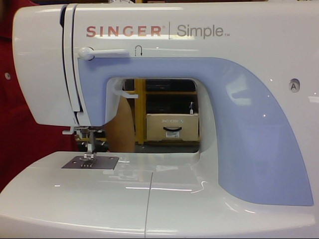 SINGER Sewing Machine E99670