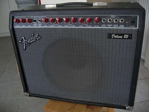 FENDER Electric Guitar Amp DELUXE 85