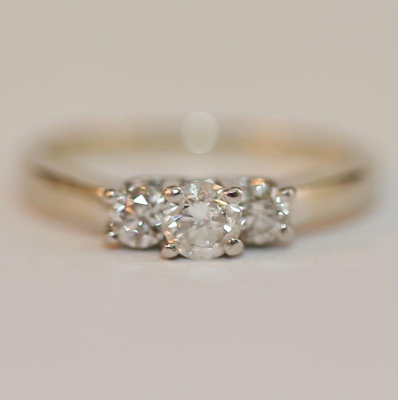 14K W/G & Platinum Round Brilliant Diamond Anniversary Ring Size 6