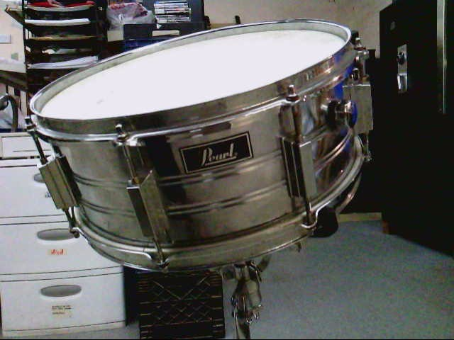 PEARL SNARE DRUM & STAND
