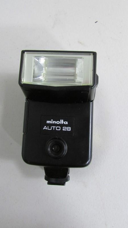 "MINOLTA AUTO 28 ELECTRONIC FLASH"" Untested"""