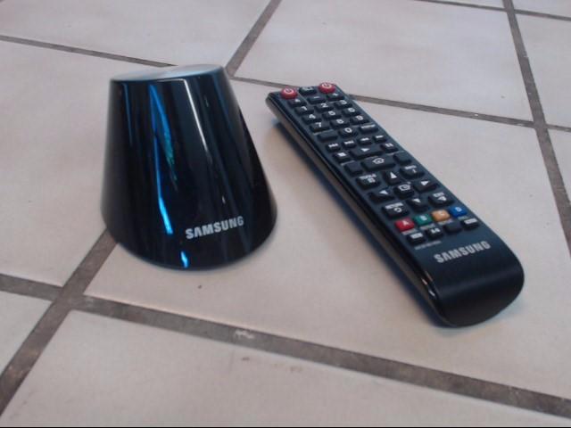SAMSUNG Flat Panel Television UN55D7000LF