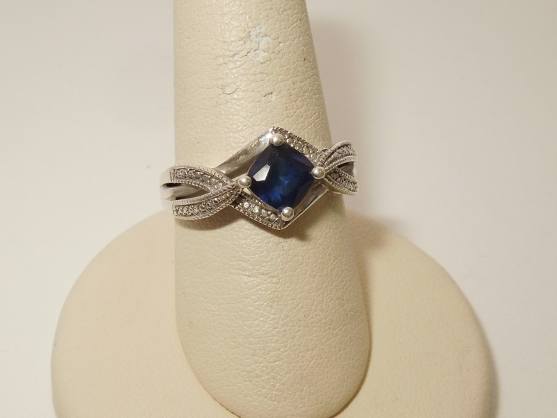 Synthetic Sapphire Lady's Silver & Stone Ring 925 Silver 3g