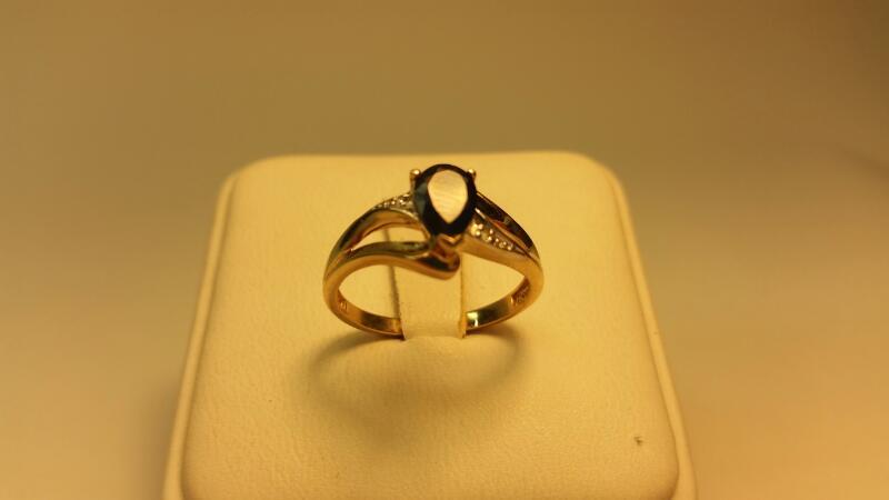 10k Pear Blue Stone Ring 1.3DWT Size: 7