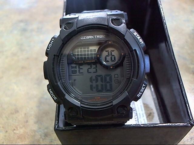 OZARK TRAIL Gent's Wristwatch 92-213