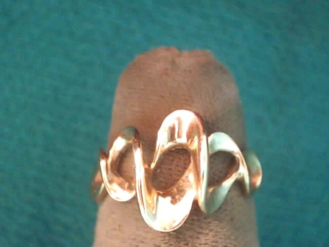 Lady's Gold Ring 10K Yellow Gold 1.6dwt