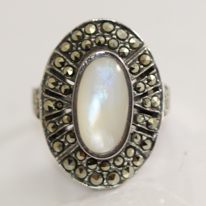 Oval Cut Mother Of Pearl & Marquisite Stone Silver Ring Size 6.8