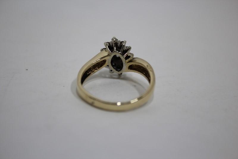 Lady's Diamond Cluster Ring 25 Diamonds .32 CTW. 14K Yellow Gold 4.6g Size: 8