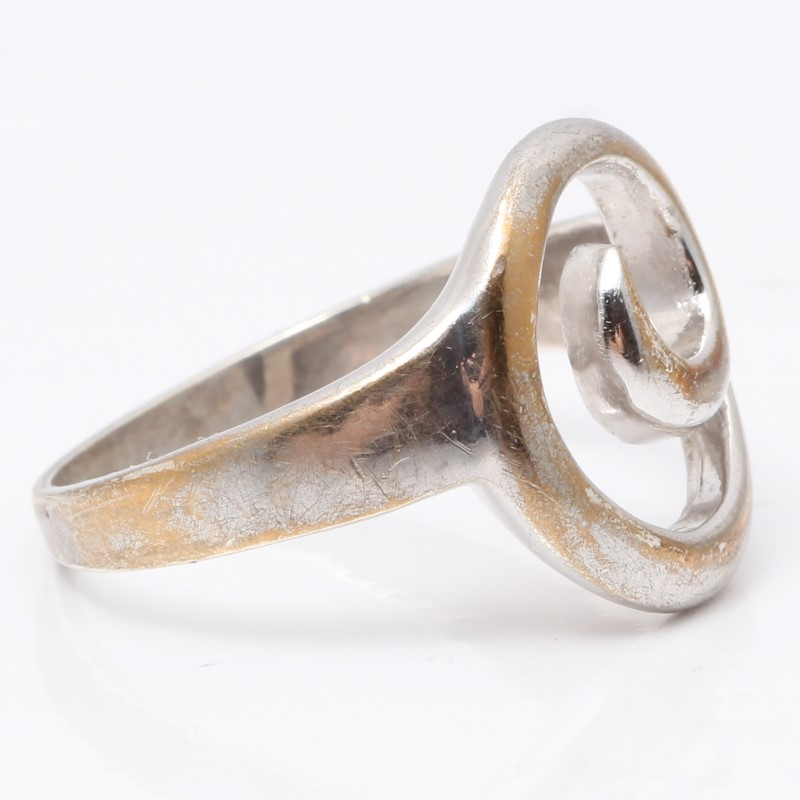 Sterling Silver Swirl Ring Size 9