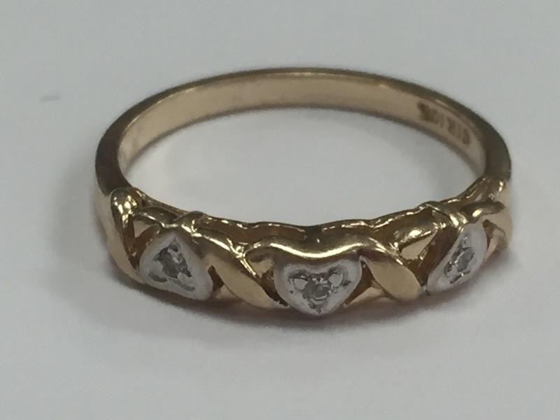 THREE HEART DIAMOND 10K YELLOW GOLD BAND SIZE 5