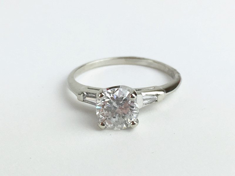 LADIES 14K WG DIAMOND RING APX 1.05CTW 2.41G SIZE 7