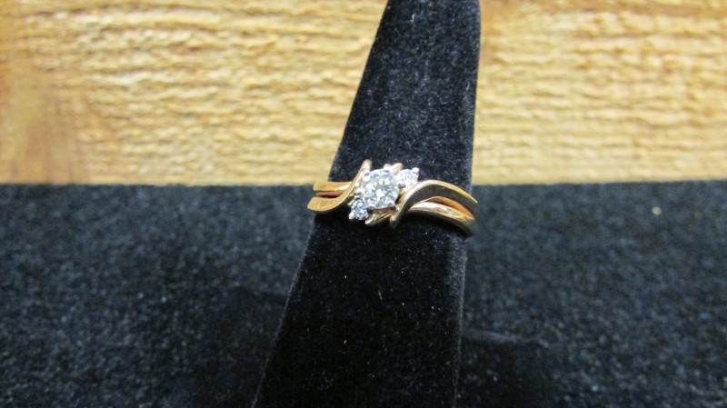 Lady's Diamond Wedding Set 3 Diamonds .23 Carat T.W. 14K Yellow Gold 4.1g