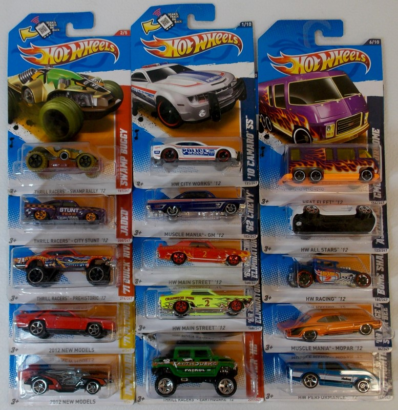 2012 HOT WHEELS: MIXED LOT OF 15 CARS