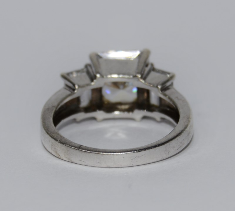 Sterling Silver Radiant Crystal Three Stone Ring Size 6