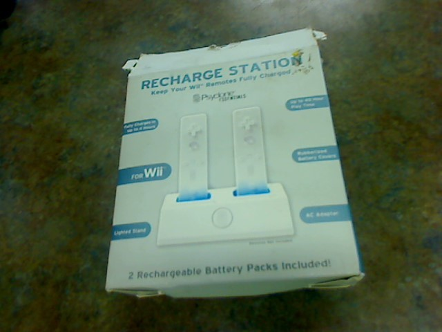 PSYCLONE Video Game Accessory PX6523 WII CHARGE STATION
