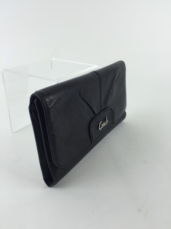 COACH TRIFOLD SIGNATURE LEATHER WALLET