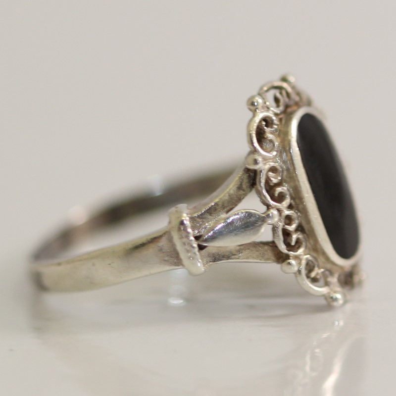 Vintage Inspired Sterling Silver Onyx Ring Size 6