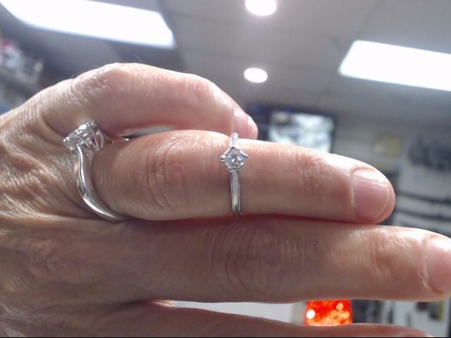 Lady's Diamond Engagement Ring .25 CT. 14K White Gold 1.2dwt