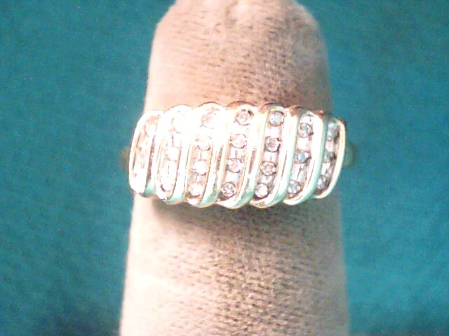Lady's Diamond Cluster Ring 21 Diamonds .21 Carat T.W. 10K Yellow Gold 1.3dwt