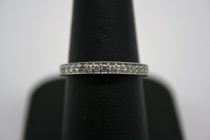 LADY'S DIAMOND BAND 14K WHITE GOLD