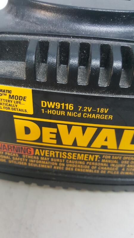 DeWalt DC612 18V XRP Cordless 16 Gauge Straight Finish Nailer Kit
