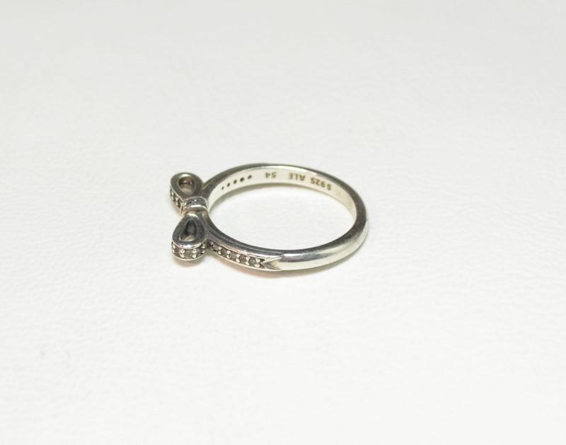 Pandora 54 Sparkling Bow Silver Ladies Ring 28 Cubic Zirconia Stones S925