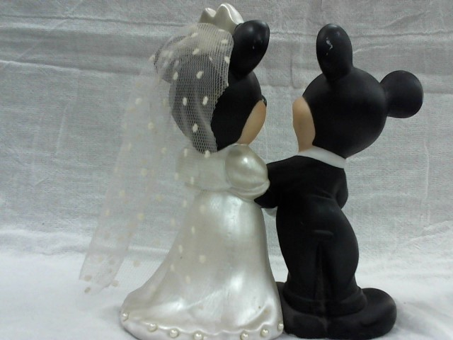 DISNEY Collectible Plate/Figurine FIGURINE