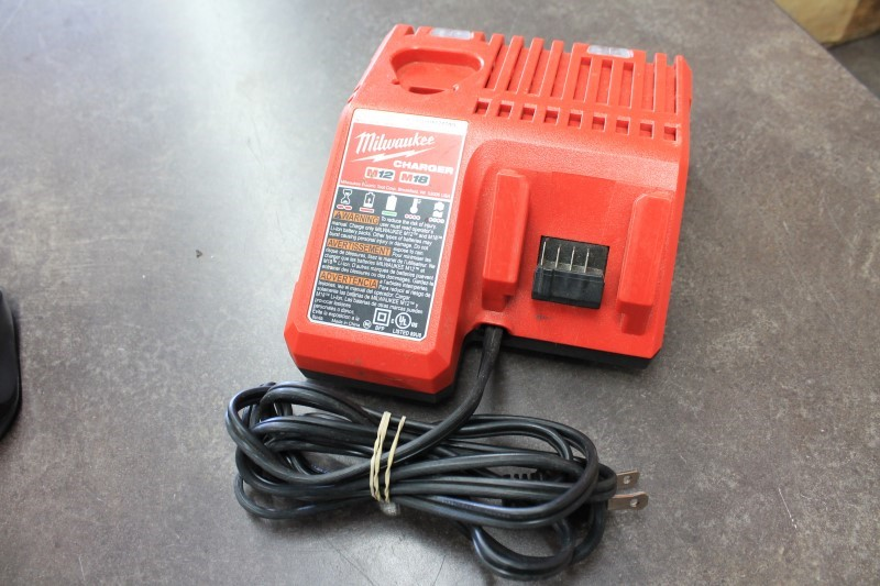 MILWAUKEE Battery/Charger CHARGER 48-59-1812