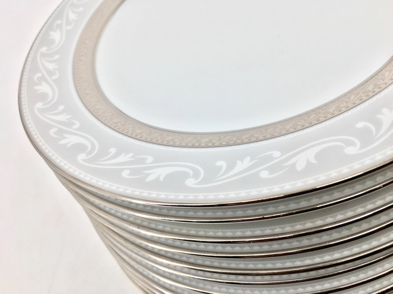 Noritake Crestwood Platinum 10PC Plate Setting w Box