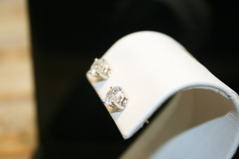 Gold-Diamond Earrings 2 Diamonds 1.50 Carat T.W. 14K White Gold 0.9g