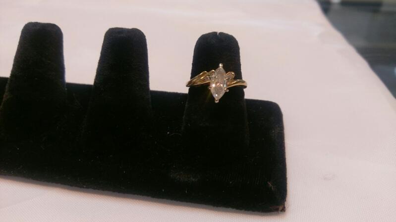 Lady's Diamond Engagement Ring 1.00 CT. 14K Yellow Gold 3.6g