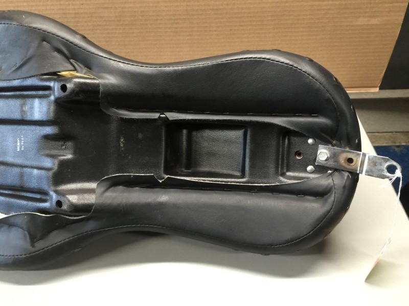 HARLEY-DAVIDSON Dyna Wide Glide Leather Seat 1998-2006 2-person