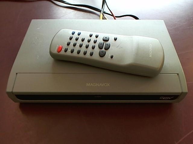 MAGNAVOX CABLE CONVERTER BOX E175216