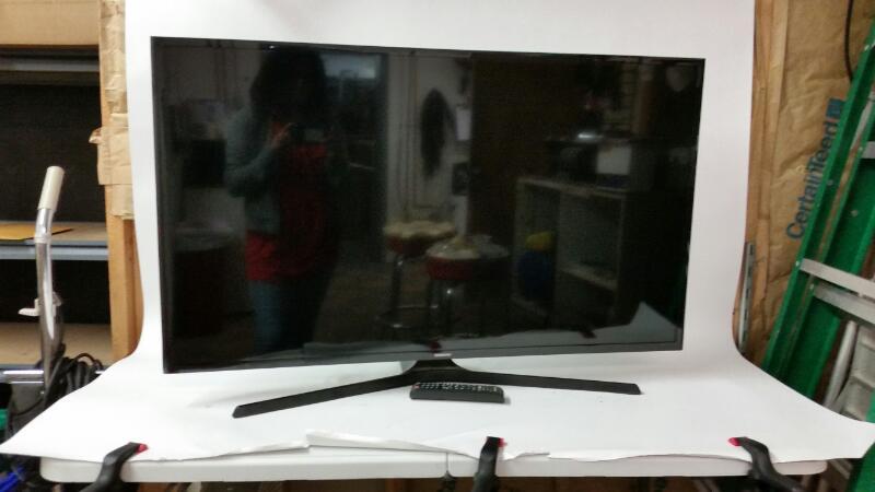 SAMSUNG Flat Panel Television UN43J5000AF