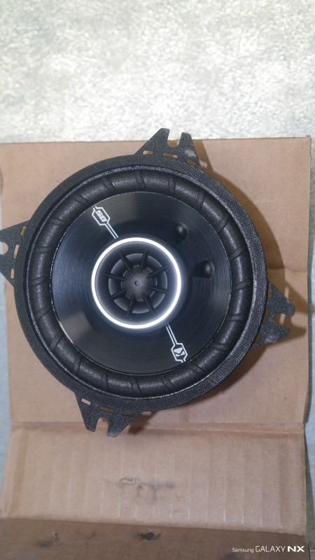 KICKER Car Speakers/Speaker System DSC4