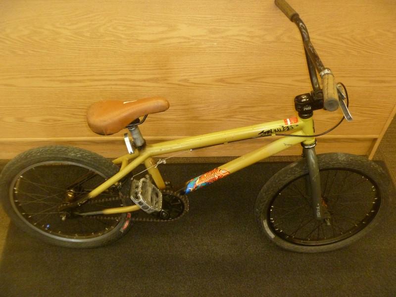SPECIALIZED FUSE ONE 2009 BMX BIKE