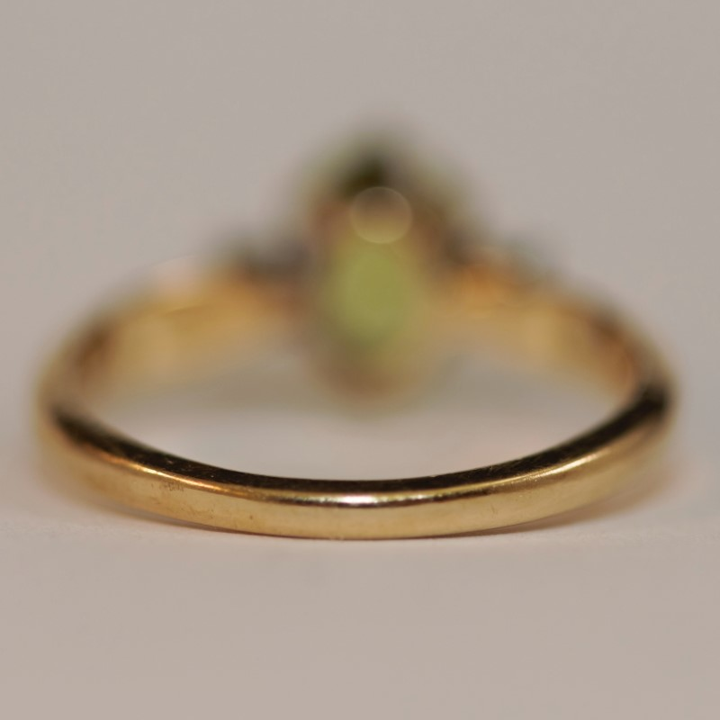 Peridot and Diamond 14K Yellow Gold Ring Size 6.25