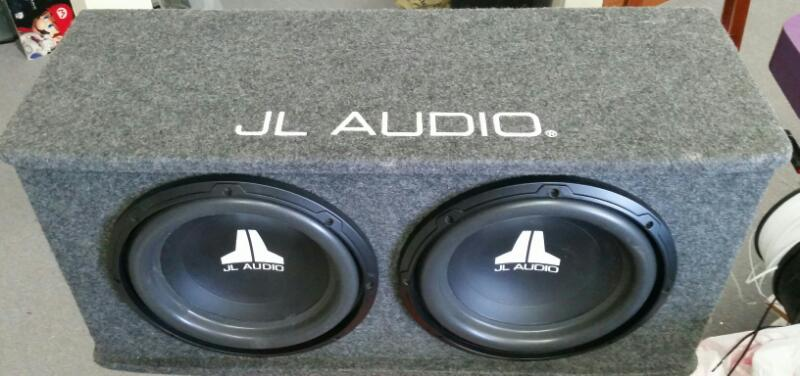JL AUDIO 12'' SUBS IN CARPETED BOX