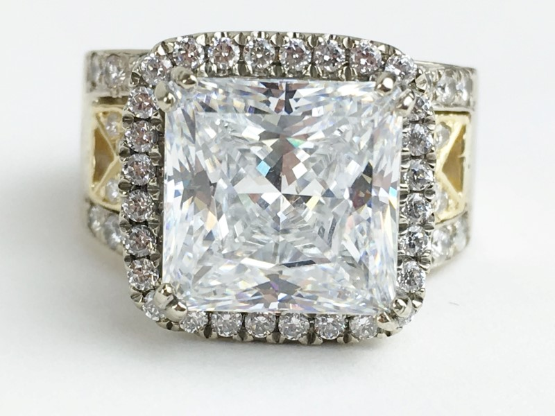 CZ Center w 40 Diamonds .64 Carat T.W. 18K White Gold 17.11g