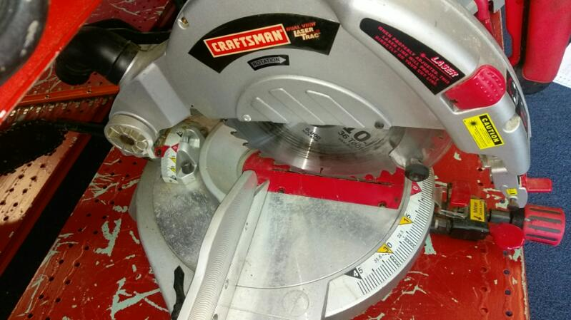 CRAFTSMAN MITER SAW 10 INCH COMPOUND